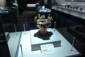 国宝の火焔型土器をはじめ、国重要文化財などの貴重な史料が展示