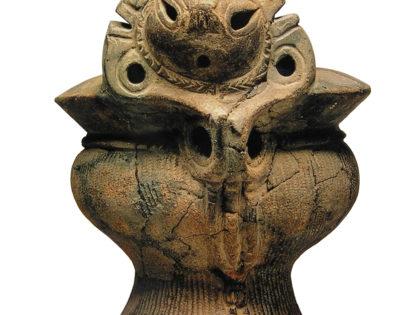 【土器・重文】岡谷市「顔面把手付深鉢形土器」(縄文時代中期)