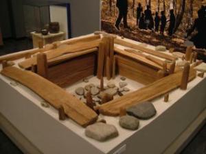 木組遺構の模型(ガイダンス施設内)